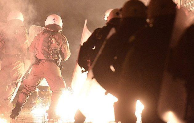 Επεισόδια σε Αθήνα και Θεσσαλονίκη μετά τις διαδηλώσεις για τον Γρηγορόπουλο (φωτο)