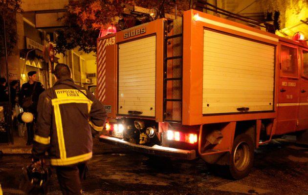 Τραγωδία στην Κατερίνη: Τρεις νεκροί από φωτιά σε πολυκατοικία (βίντεο)