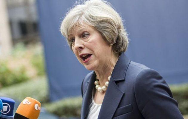 Φάρατζ: «Να κάνουμε δεύτερο δημοψήφισμα για το BREXIT» – Μέι: «Το ξεχνάς»