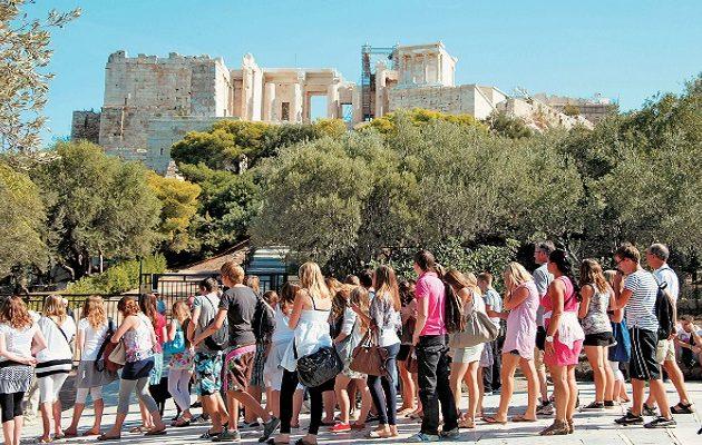 Από ποιες χώρες θα δέχεται η Ελλάδα τουρίστες – Τι ανακοίνωσε ο Πέτσας