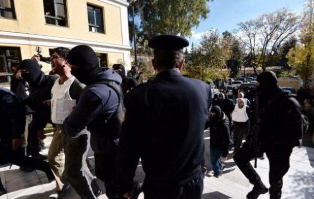 Τι βρήκε η αστυνομία στις γιάφκες των 9 Τούρκων συλληφθέντων τρομοκρατών (φωτο)