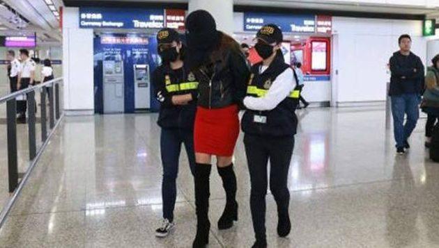 """Πώς βρήκαν """"ράκος"""" την κόρη τους στο Χονγκ Κονγκ οι γονείς της 19χρονης Ειρήνης"""