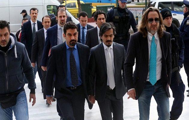 Ο Μητσοτάκης θα παραδώσει τους 8 Τούρκους ικέτες; – Τι δήλωσε ο Ερντογάν