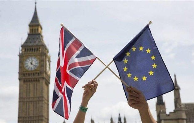 Η Βρετανία δεν θα πληρώσει τον λογαριασμό του Brexit εάν δεν υπάρξει εμπορική συμφωνία