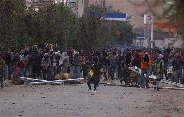 Πάνω από 200 συλλήψεις σε επεισόδια διαδηλώσεων στην Τυνησία