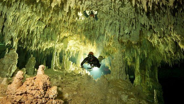 Δύτες ανακάλυψαν το μεγαλύτερο υποβρύχιο σύστημα σπηλαίων του κόσμου (φωτο)