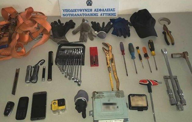 Συλλήψεις για κλοπές αυτοκινήτων στα νότια προάστια