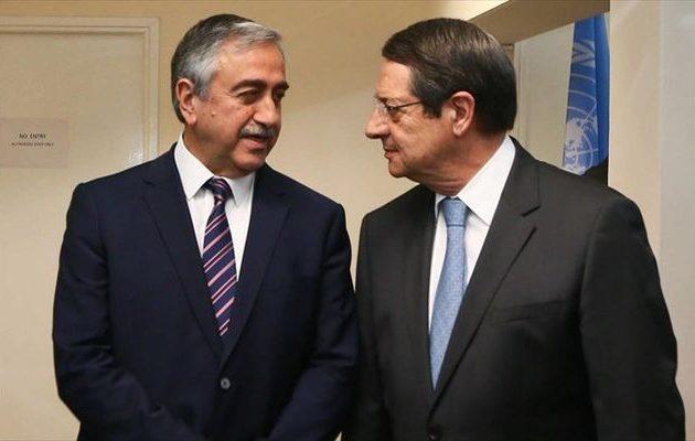 Πρόκληση Ακιντζί: Συγχαρητήρια στον Αναστασιάδη για την επανεκλογή του στη «νότια Κύπρο»