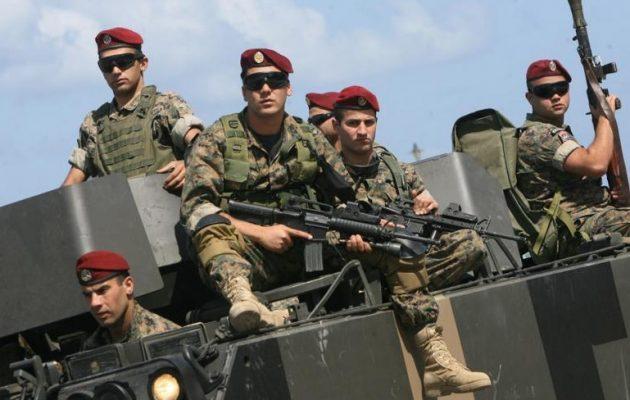 Ο στρατός του Λιβάνου έκλεισε με τρίμετρα φράγματα 50 παράνομα περάσματα στα σύνορα με τη Συρία