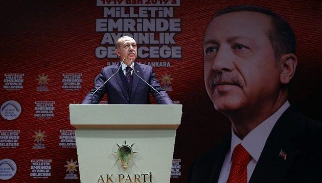 Απίστευτο ξεμπρόστιασμα Ερντογάν από την WSJ: Είναι δικτάτορας και πρέπει να «ξεσκεπαστεί»