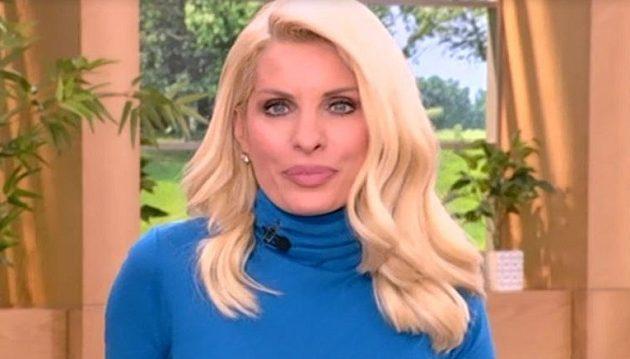 Η Ελένη Μενεγάκη ανακοίνωσε ότι φεύγει από την τηλεόραση