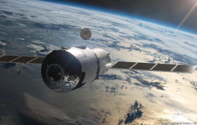 Σε λίγες ώρες ο κινέζικος δορυφόρος θα πέσει στη Γη – Πόσο πρέπει να ανησυχεί ο κόσμος