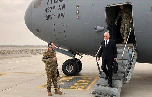 Στην Καμπούλ ο υπουργός Άμυνας των ΗΠΑ – Τι είπε για τους Ταλιμπάν
