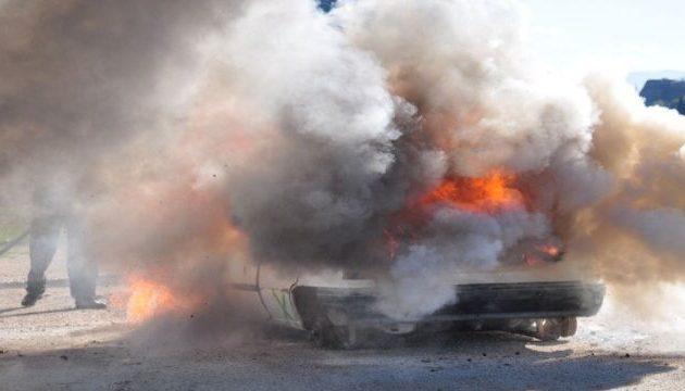 Στις φλόγες τυλίχθηκε αυτοκίνητο εν κινήσει στην εθνική οδό