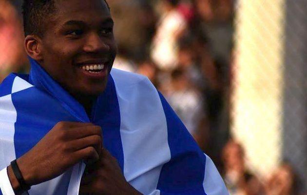 Οι Μιλγουόκι Μπακς του Αντετοκούνμπο τιμούν τη χώρα μας: «Χρόνια Πολλά Ελλάδα»
