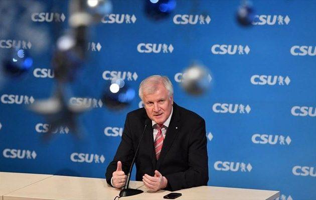Παραιτήθηκε από την πρωθυπουργία της Βαυαρίας ο Χορστ Ζεεχόφερ