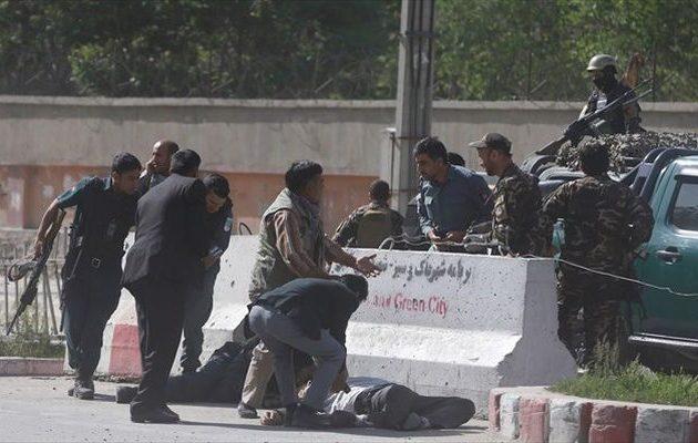 Μακελειό στην Καμπούλ: Στους τέσσερις οι νεκροί δημοσιογράφοι – Πώς τους την έστησαν
