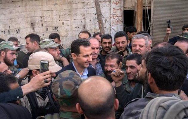 Φήμες θέλουν τον Άσαντ να ετοιμάζεται να «δραπετεύσει» – Πού λένε ότι θα πάει