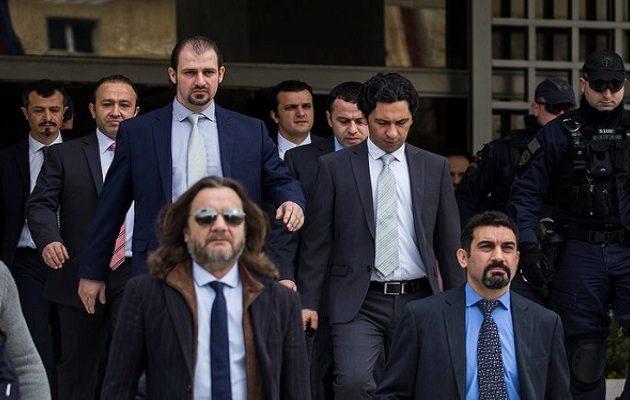 Οι Τούρκοι είχαν ετοιμάσει στρατιωτική επιχείριση για να «αρπάξουν» τους 8 ικέτες από την Ελλάδα