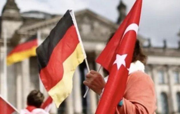 Η Γερμανία αποκαθιστά τις σχέσεις της με την Τουρκία «σαν να μην τρέχει τίποτα»
