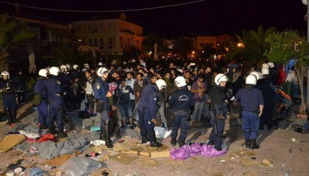 Μυτιλήνη: Άδειασε η πλατεία Σαπφούς από πρόσφυγες μετά από επιχείρηση της Αστυνομίας