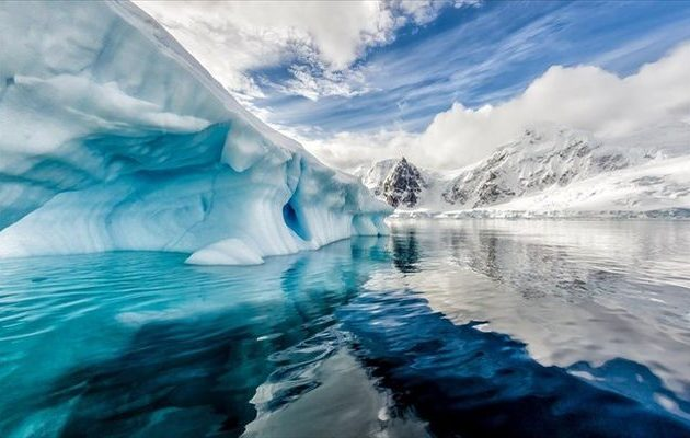 Ανακάλυψαν τρία γιγάντια φαράγγια «θαμμένα» κάτω από τους πάγους της Ανταρκτικής