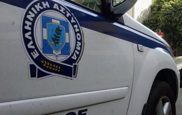 Δολοφονία στον Πειραιά: Γάζωσαν άντρα με καλάσνικοφ