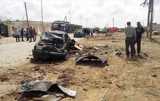 Επίθεση με παγιδευμένο αυτοκίνητο σε δρόμο της Βεγγάζης – Τουλάχιστον 7 νεκροί