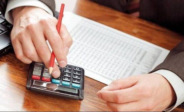 Ασφαλιστικές εισφορές: Αυξήσεις σοκ ως 540 ευρώ το μήνα για 8 στους 10 επαγγελματίες