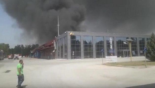 Τι λέει η εταιρεία για τη μεγάλη φωτιά στο εργοστάσιο μπαταριών στη Ξάνθη