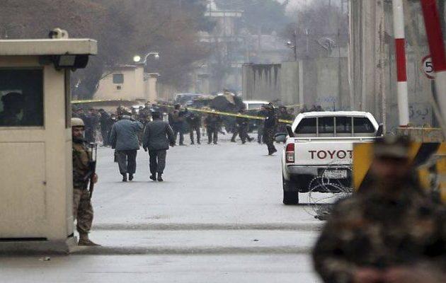 Έκρηξη και πυροβολισμοί κοντά στο υπουργείο Εσωτερικών του Αφγανιστάν