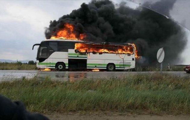 Κεραυνός χτύπησε λεωφορείο του ΚΤΕΛ Έβρου γεμάτο επιβάτες (βίντεο)