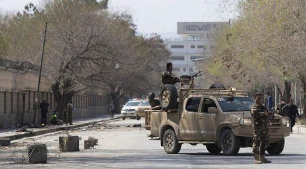 Τζιχαντιστής του ISIS ανατινάχθηκε σε υπουργείο στην Καμπούλ – Τουλάχιστον 12 νεκροί