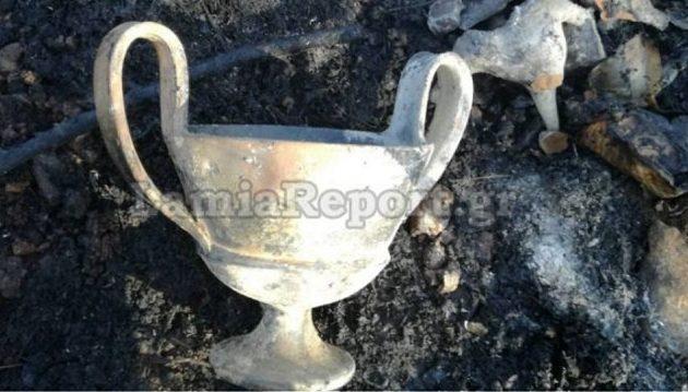 Φωτιά αποκάλυψε κρυμμένο αρχαιολογικό θησαυρό στην Αταλάντη (φωτο)