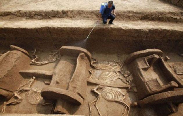 Ινδοί αρχαιολόγοι ανακάλυψαν άρματα ηλικίας 4.000 χρόνων