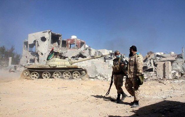 Νέες συγκρούσεις στη Λιβύη για τον έλεγχο της κρίσιμης «πετρελαϊκής ημισελήνου»