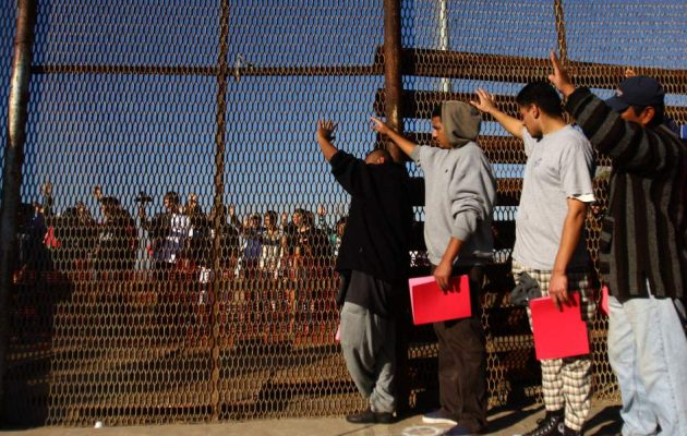 Ο Τραμπ ανακοίνωσε επιπρόσθετους δασμούς στα αγαθά από το Μεξικό ως «αντίποινα» στην παράτυπη μετανάστευση