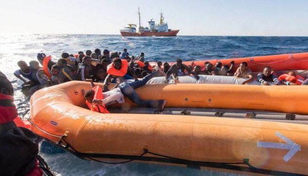 Εντοπίζουν συνέχεια πτώματα στην Τυνησία – Στους 60 οι νεκροί του ναυαγίου