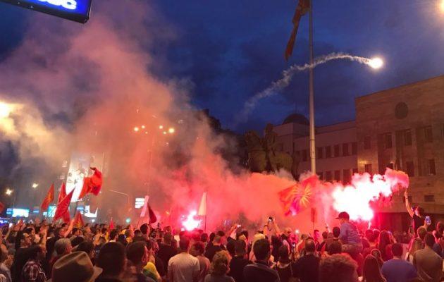 Οργή στα Σκόπια για τη «συνθηκολόγηση» του Ζάεφ – «Δεν θα γίνουμε ελληνικό προτεκτοράτο»