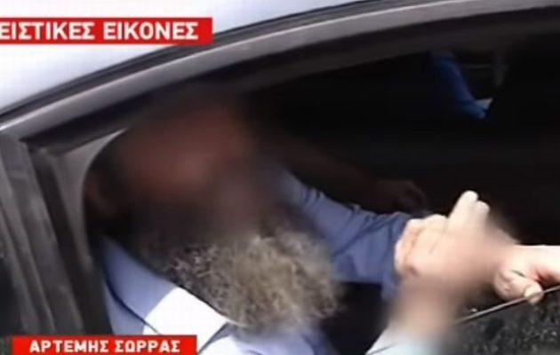 Ο Αρτέμης Σώρρας με μούσια παπά παραληρεί προς τους «Ελλάνιους συμπολεμιστές» του (βίντεο)