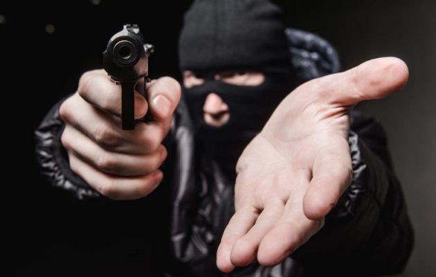 Ληστεία από ένοπλους κουκουλοφόρους σε εστιατόριο στο Λόφο του Στρέφη