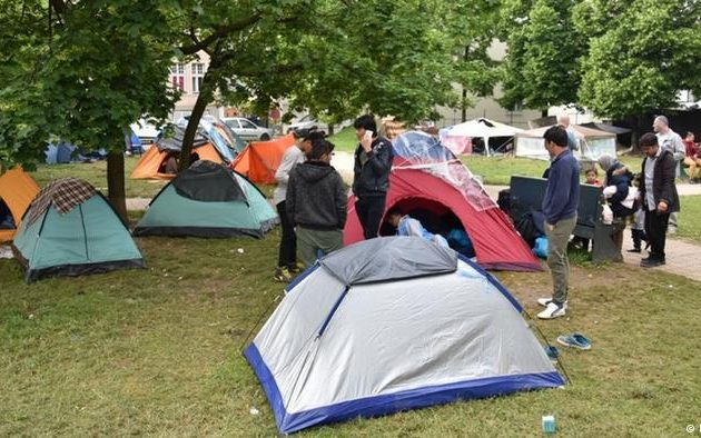 Χιλιάδες πρόσφυγες «εγκλωβισμένοι» στα Βαλκάνια