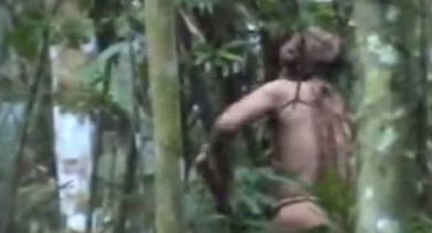 Ο πιο μοναχικός άνθρωπος της Γης – Ο τελευταίος επιζών μιας φυλής ζει στον Αμαζόνιο (βίντεο)
