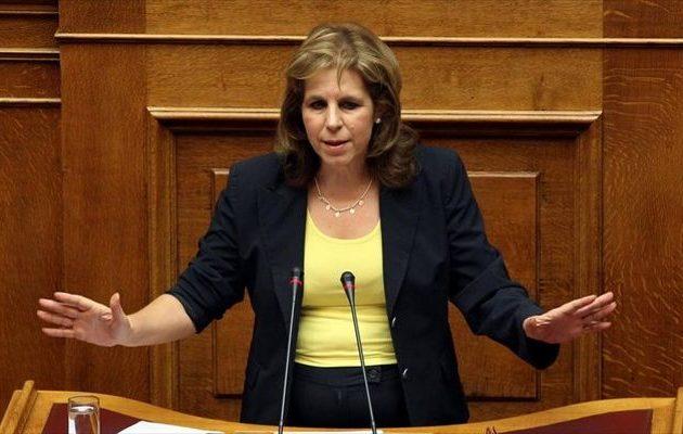 Χριστοφιλοπούλου: «Μυθεύματα» οι ποινικές ευθύνες πολιτικών προσώπων για την Υγεία