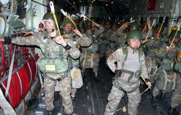 Το αξιόμαχο του τουρκικού στρατού έχει καταρρεύσει μετά τις διώξεις Ερντογάν