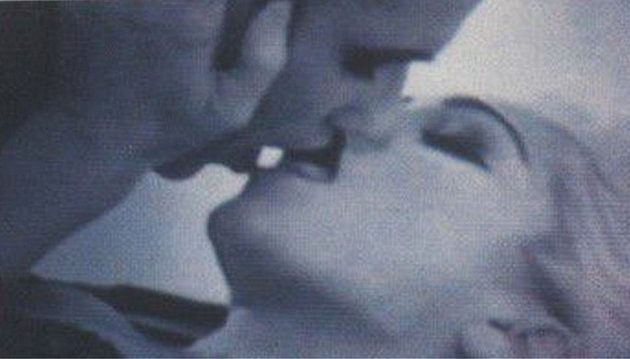 H Μαντόνα είχε ερωτευτεί παράφορα την Αμάντα μετά από καυτό φιλί για βίντεο κλιπ (βίντεο)