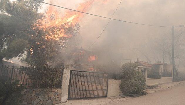 Σκουρλέτης και Τόσκας στο Ενιαίο Συντονιστικό Επιχειρησιακό Κέντρο για τις πυρκαγιές