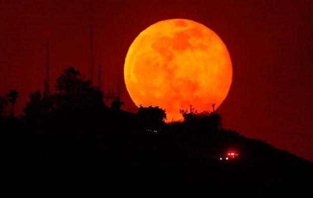 Πότε θα γίνει η μεγαλύτερη ολική έκλειψη Σελήνης του 21ου αιώνα