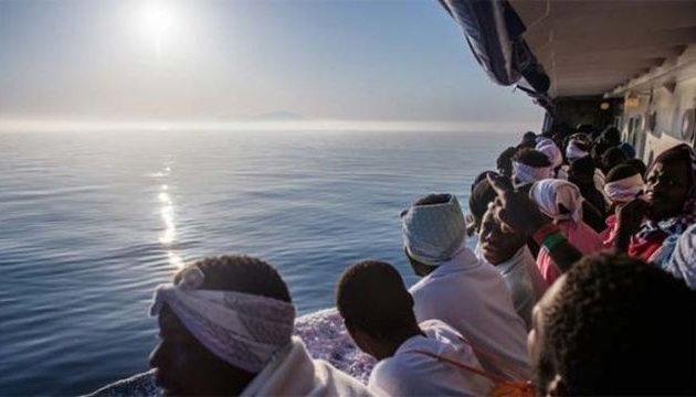 «Πράσινο φως» από Ιταλία για την αποβίβαση 450 μεταναστών μετά από σκληρά παζάρια