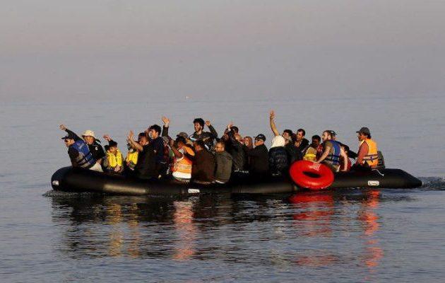 Η Frontex εντόπισε φουσκωτό με 36 αλλοδαπούς στη Χίο